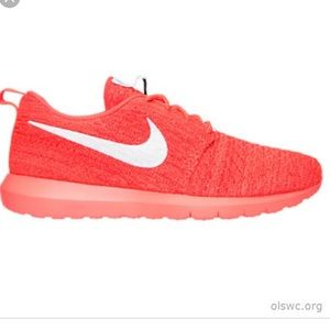Nike Roshe One NM Flyknit Coral